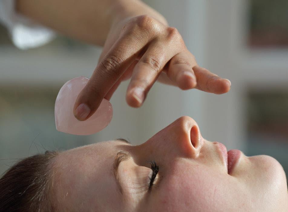 Tibetanski tretman lica s Ku Nye tehnikama