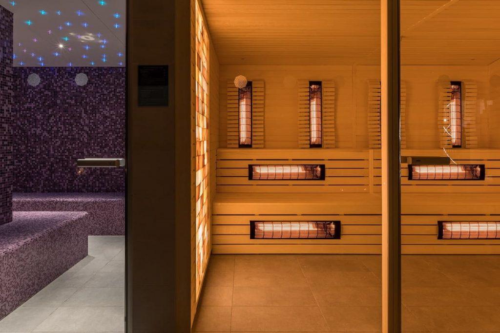 Infracrvena sauna sa zidom od himalajskog kamena